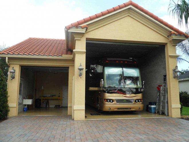 Kasmar Motorcoach Garage Front Elevation 322014-07-24 08-52-25 - 0006